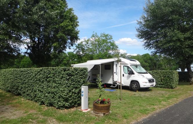 Camping Municipal Les Gabarreys 17 - Pauillac