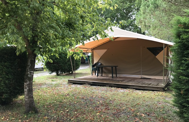 Camping La Chesnays 53 - Vendays-Montalivet