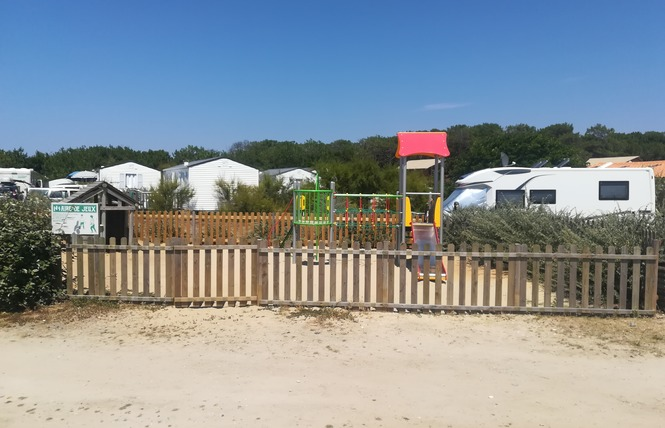 Camping Le Soleil D'or 8 - Vendays-Montalivet