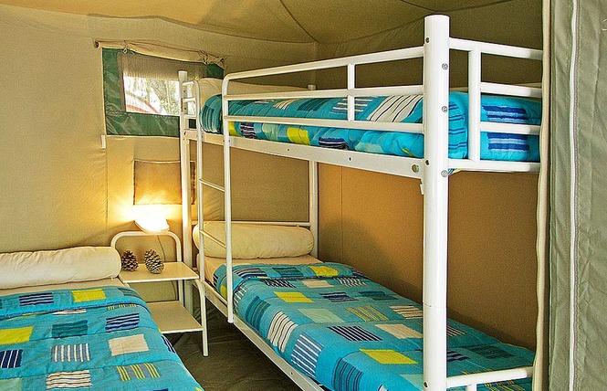 Camping le Pressoir 13 - Petit-Palais-et-Cornemps