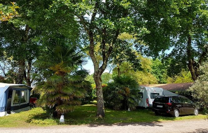 Camping Le Marache 27 - Biganos