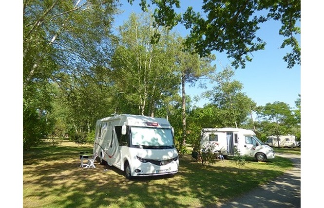 Camping Les Ourmes 14 - Hourtin