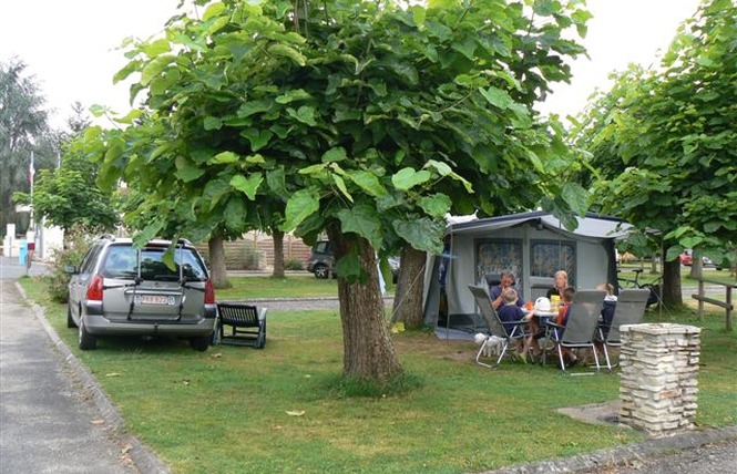 Camping De La Bastide 2 - Pineuilh