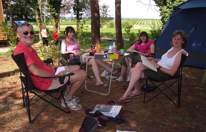 Camping le Pressoir 2 - Petit-Palais-et-Cornemps