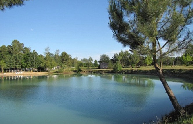 Camping le Chêne du Lac 1 - Bayas